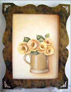 黄色いバラの花瓶